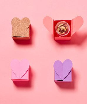 0216 REAL SIMPLE COM VALENTINES DECOR AND CHOCOLATE BOXES