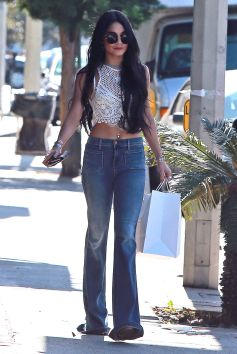 vanessa-hudgens-street-style-out-in-west-hollywood-july-2015_1
