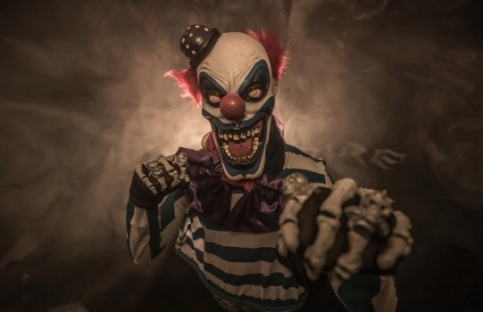 Halloween Dates - Clown
