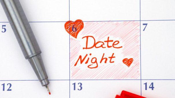 date-night-calendar-reminder-red-heart-918x516