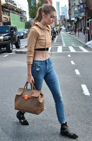 Gigi-hadid-New-York-City-Reebok-photoshoot